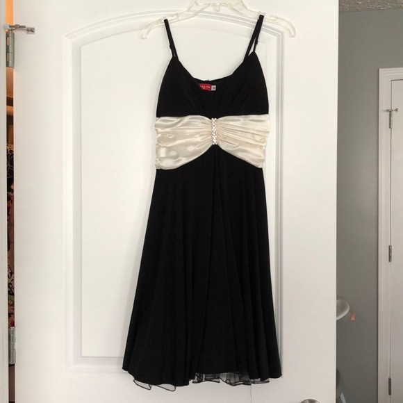 Ruby Rox Dresses & Skirts - Cocktail dress/event dress